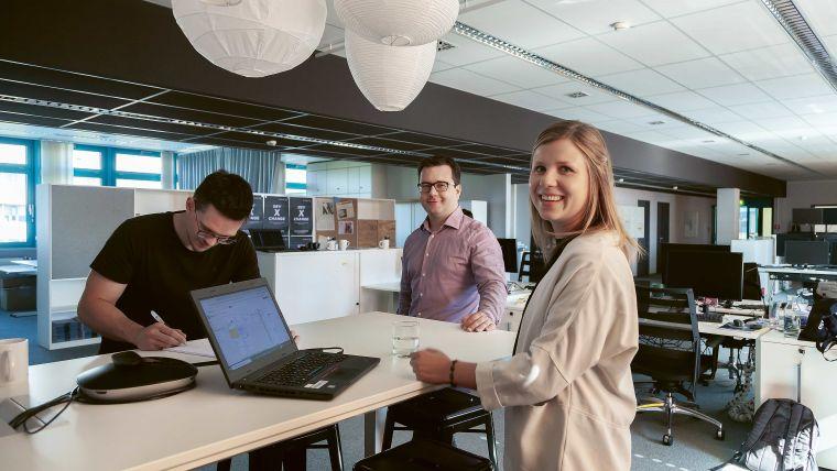 Teamwork: Qualität entsteht nicht im stillen Kämmerlein. XITASO hat eine Vielzahl an Abläufen und Methodenimplementiert, um hochqualitatives Software-Engineering gemeinsam sicherzustellen.